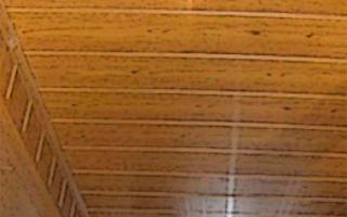 Устанавливаем потолочные панели МДФ – подбор материала и секреты монтажных работ