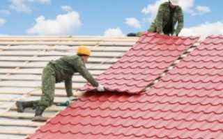 Как крыть крышу металлочерепицей: рекомендации профессиональных кровельщиков