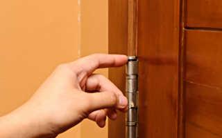 Как снять двери с петель