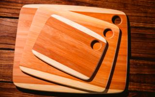 Из какой древесины можно сделать разделочную доску