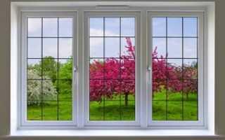 Пластиковые окна с раскладкой; особенное оформление для стильного интерьера