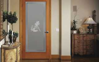 Сочетание цвета – дверей, обоев, плинтуса, пола и мебели