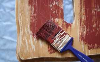 Способы как обновить деревянную дверь своими руками