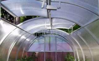 Проветривание теплицы из поликарбоната