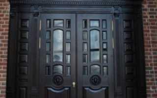 Какую входную дверь выбрать: ПВХ, деревянные и металлические